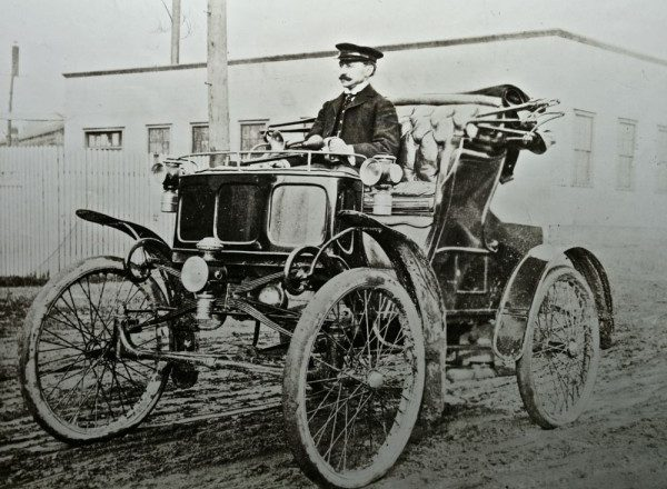 August 13, 1898 – James Packard buys a Winton – dislikes it and starts Packard